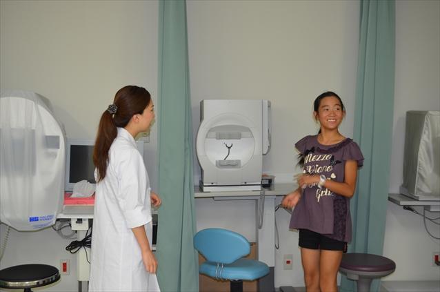 8月13日 小学生が眼科で職業体験をしました。