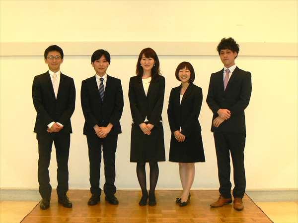 新しいメンバー4人と、東北大学からの留学生。左から宇佐美貴寛先生、上田将弘先生、東北大学の橋本清香先生、永田祐衣先生と松岡貴大先生