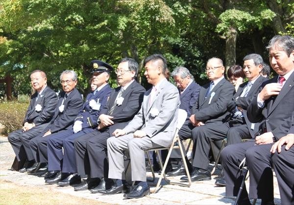 御殿場中央公園での、御殿場LCによる献眼者名簿奉安式